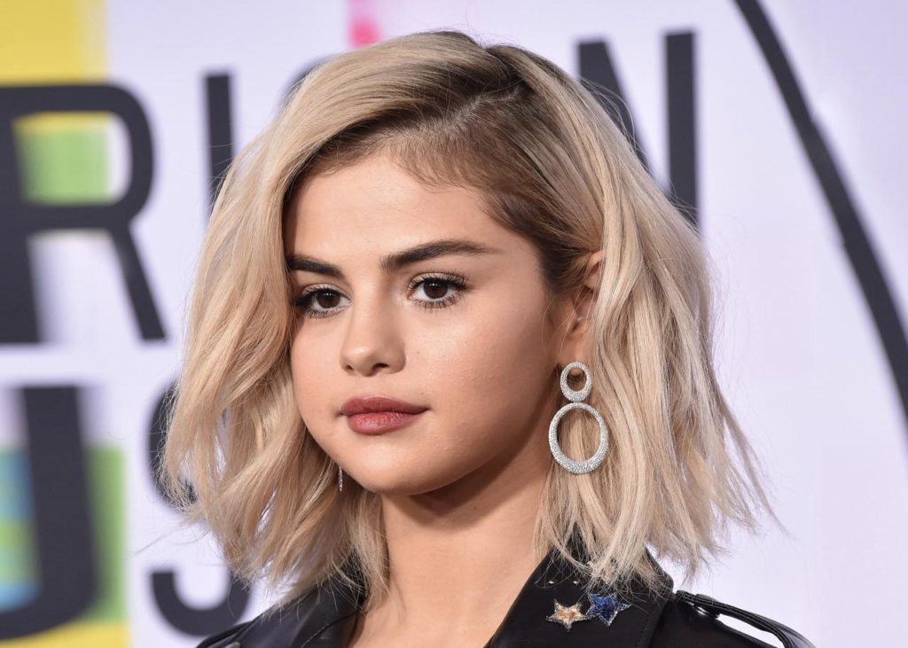 Selena_Gomez_bob_large_hair
