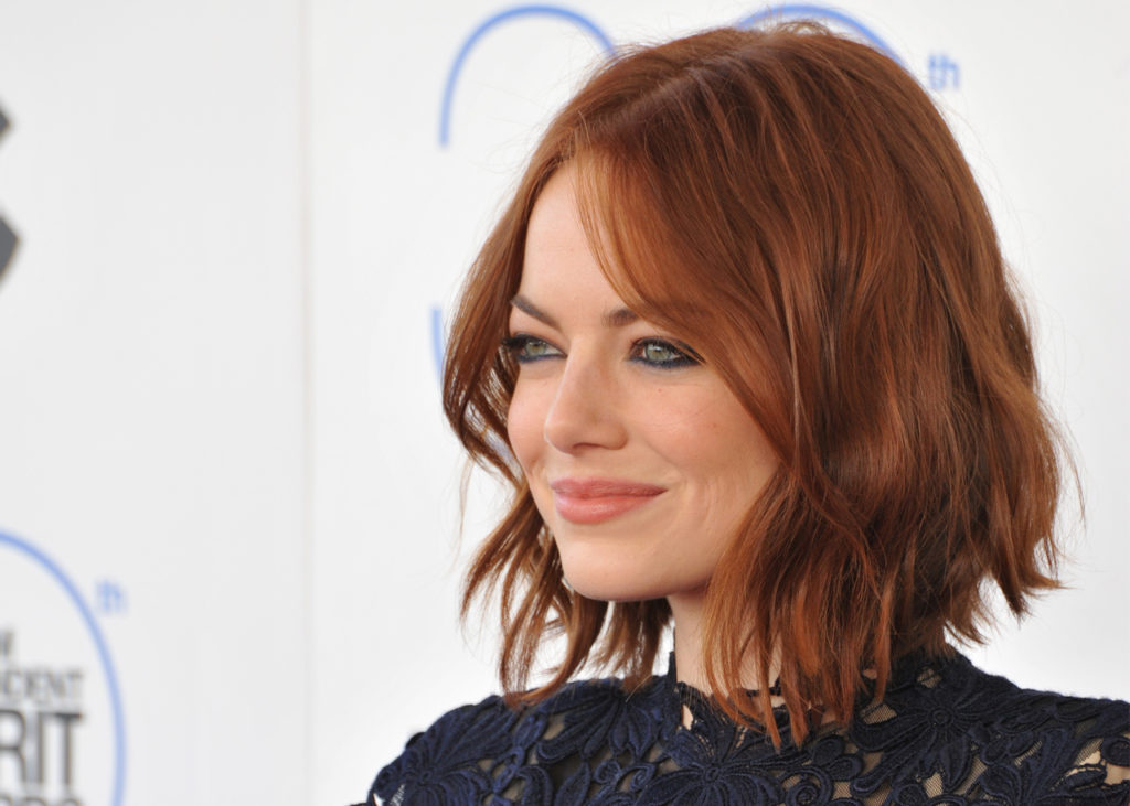 hair-emma-stone-red-cobrizo-natural-tendencia